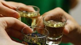 7 thực phẩm bạn nên ăn trước khi uống rượu