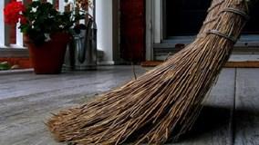 Nguồn gốc phong tục kiêng quét nhà 3 ngày Tết