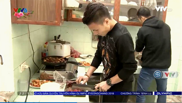 Tiền vệ Quang Hải thừa tiêu chuẩn soái ca: Đá bóng hay, có hiếu, lễ phép và nấu ăn cực giỏi-1