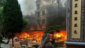 Lạng Sơn: Cháy dữ dội ở đền Mẫu Đồng Đăng ngày mùng 5 Tết
