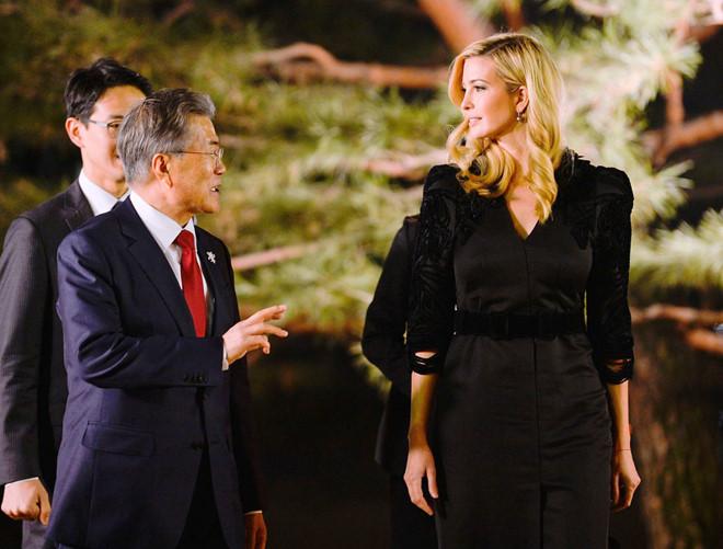 Ivanka den Han Quoc, canh tranh suc hut voi em gai Kim Jong Un hinh anh 2