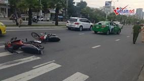 Tai nạn xe máy, người đàn ông bị taxi cán qua người