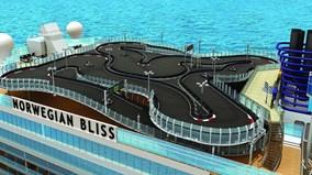 Siêu du thuyền chứa cả thành phố nổi và đường đua xe hạng sang
