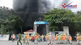 Hà Nội: Cháy ở bệnh viện Việt - Pháp, cột khói bốc cao hàng chục mét