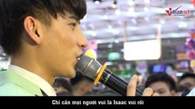Isaac tiết lộ 'chuyện tình đặc biệt' trong MV mới