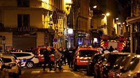 Tấn công khủng bố bằng dao ở trung tâm Paris, nhiều người thương vong