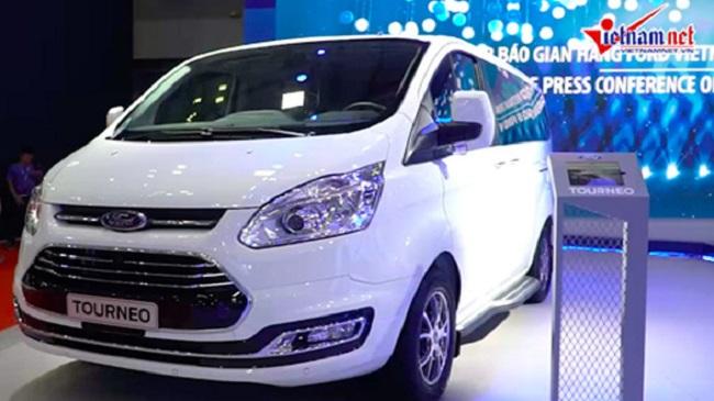 Đánh giá xe: Khám phá nhanh Ford Tourneo tại Vietnam...