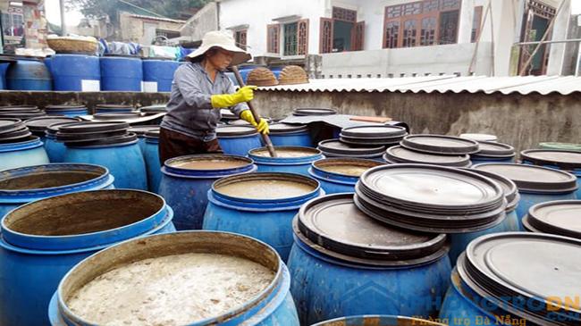 Ngư dân Nam Ô chật vật bảo tồn và sản xuất nước mắm truyền thống