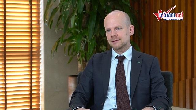 Phó Tổng thư ký FIFA: ''Bóng đá VN đang tiệm cận với...