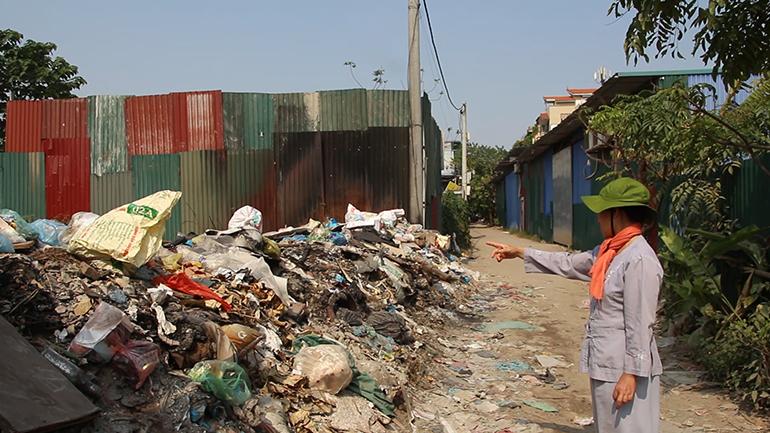 Những ''biển rác'' tự phát ở ngay giữa lòng thủ đô Hà Nội