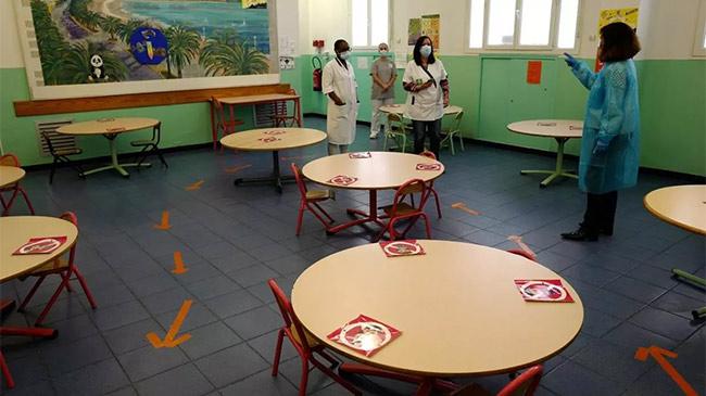 Vì sao Pháp vội đóng cửa trường học chỉ sau 1 tuần...