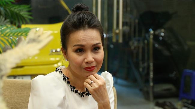 Cẩm Ly bất lực đến phát khóc vì mất giọng hát trong 3 năm