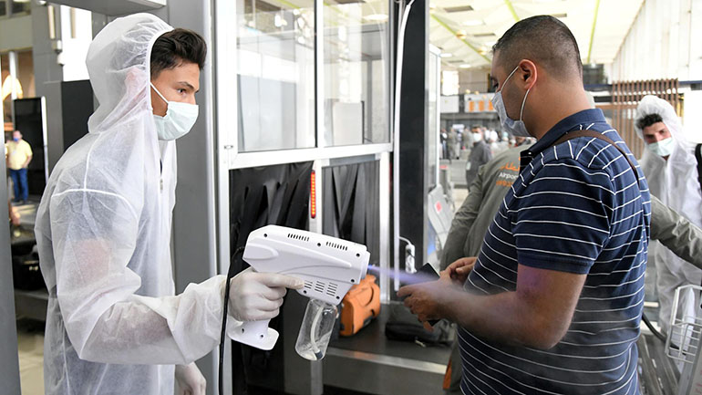 Covid-19: Mỹ tăng vọt số ca nhiễm mới, London siết...
