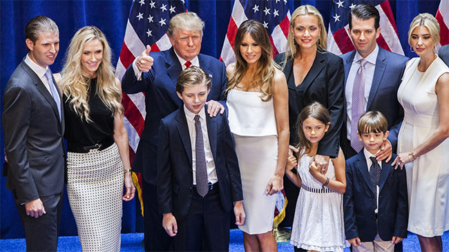Covid-19: Mỹ tự phá kỷ lục, gia đình TT Trump có thêm...