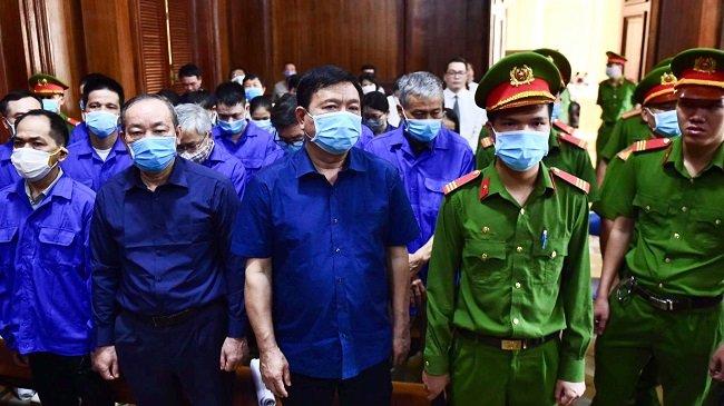 Ông Đinh La Thăng và 19 đồng phạm hầu tòa