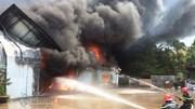 Bình Định: Cháy ngùn ngụt xưởng đệm mút, ghế mỹ nghệ