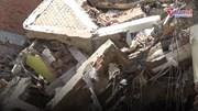 Sập nhà 2 tầng ở Sài Gòn, 3 người bị vùi dưới đống đổ nát