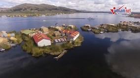 Cuộc sống biệt lập ở những hòn đảo trôi trên biển hồ Titicaca