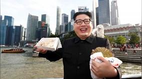 Theo chân ông 'Kim Jong Un' thăm đảo quốc Sư tử, thử đặc sản của Singapore