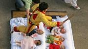 Màn 'Nhảy qua em bé' xua tà ma trong lễ hội kỳ thú ở Tây Ban Nha