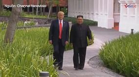 TT Mỹ và ông Kim đi dạo không cần vệ sĩ, nói chuyện không cần phiên dịch