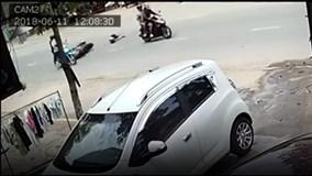 Cướp giật túi xách, kéo cô gái ngã văng ở Đồng Nai