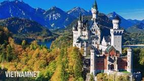 Lâu đài huyền thoại cheo leo bên vách núi, kiệt tác của một 'vị vua điên'