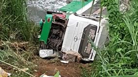 Xe khách chở 42 người lao xuống vực đèo Lò Xo, nhiều người tử vong
