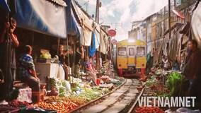 Đi chợ đường tàu nguy hiểm nhất thế giới ở Thái Lan