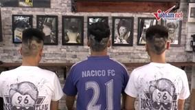 Những kiểu đầu 'siêu độc' của fan Hà Nội mùa World Cup