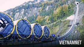 Khám phá tuyến đường sắt dốc nhất thế giới ở Thụy Sĩ