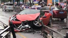Vừa thuê siêu xe Ferrari, nữ tài xế gây tai nạn liên hoàn