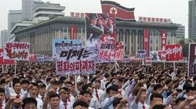 Triều Tiên hủy diễu hành chống Mỹ, nối lại tuyến đường sắt với Seoul