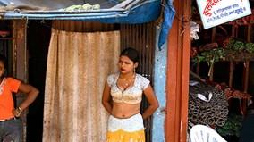 Khu đèn đỏ ở Ấn Độ náo loạn vì ngân hàng dành cho gái mại dâm đóng cửa