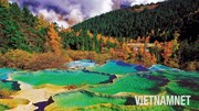 #LET'SGO: Đến thung lũng có hàng trăm hồ nước nóng đủ màu ở Trung Quốc