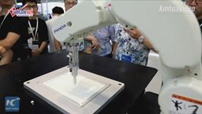 Robot thông minh đáng kinh ngạc, ký hoạ chân dung chỉ trong 2 phút