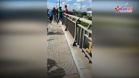 Tài xế Grab kịp cứu người đàn ông định nhảy cầu