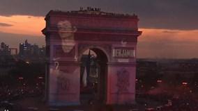 Pháp tổ chức lễ ăn mừng chiến thắng, tôn vinh cầu thủ trên Khải Hoàn Môn