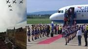 Máy bay chiến đấu lượn qua biển người hâm mộ mừng tuyển Croatia ngày trở về