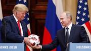Quà ông Putin tặng TT Trump không đơn giản chỉ là một quả bóng?