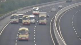 Cao tốc Hà Nội - Hải Phòng: 3 xe khách 'chơi lầy' dàn hàng dòng dắt nhau