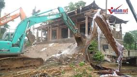 Huy động 500 người phá dỡ 'cung điện công chúa' xây trái phép tại Ba Vì