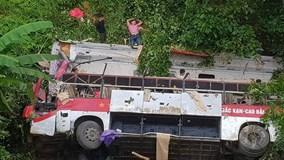 Xe giường nằm lao vực sâu ở Cao Bằng, ít nhất 4 người tử vong