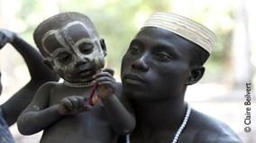 Những góc khuất đằng sau bộ lạc 'ăn thịt người'