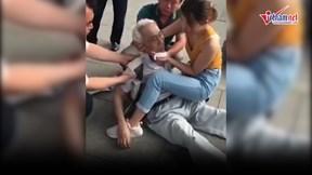 Cô gái trẻ hô hấp, hồi sức cứu cụ ông từ tay 'tử thần' ngoạn mục