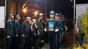 Quê nhà rưng rưng nước mắt đón liệt sỹ phi công Phạm Giang Nam