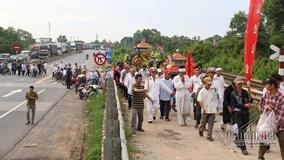 Tai nạn ở Quảng Nam: Trăm ô tô nhường đường xe tang 4 nạn nhân đầu tiên