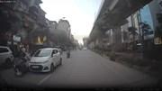 Hà Nội: Xe 'điên' đâm va nhiều người từ phố Hoàng Cầu sang Hoàng Đạo Thuý