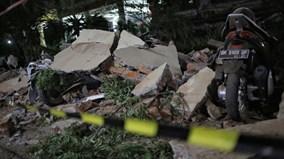 Cảnh tang thương ở đảo Lombok sau động đất khiến gần trăm người chết