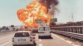 Xe bồn bùng cháy như cả tấn bom phát nổ, nhiều người thương vong